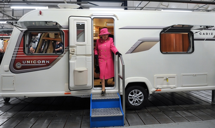 Rv wheel life blog archive queen elizabeth ii gives rv factory royal treatment Jubilee swimming pool bristol timetable