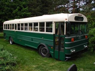Jake Von Slatt's sweet school bus conversion