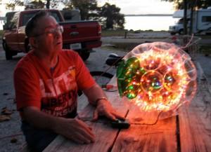 RVer creates colorful holiday lights