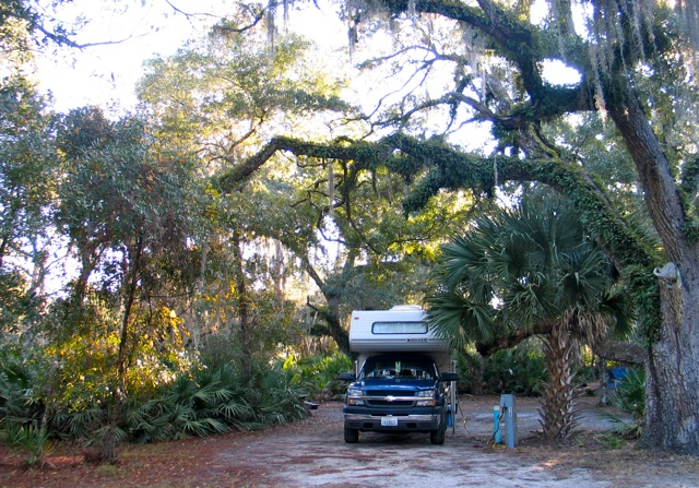 RV camping among wildlife at Lake Kissimmee in central Florida