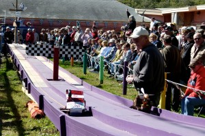Belt sander races a hoot in Fulton, Texas