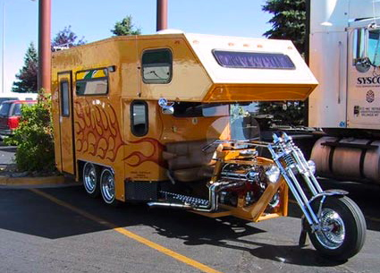 Amazing 5-wheel motorcycle motor home by David Castillo