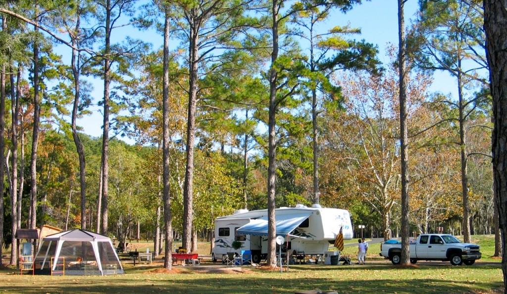 Thanksgiving RV camping tradition on Lake Seminole where Georgia meets Florida
