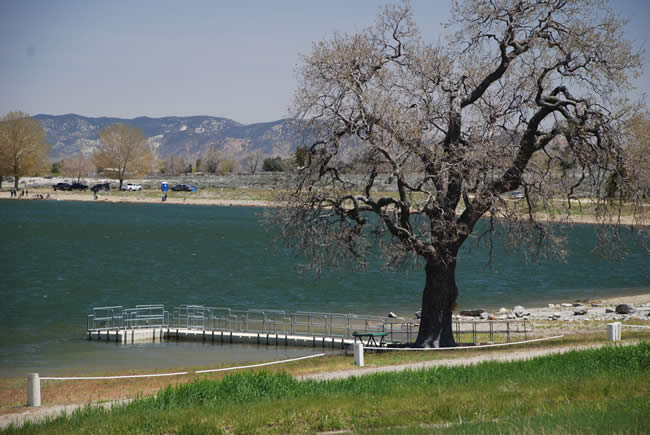 Brite Lake Park in California's Tehachapi Valley, option for RV snowbirds to rest on migration