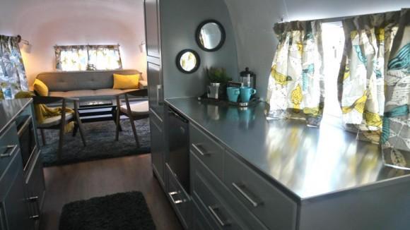 57Vintage-airstreamSovereign-interior-kitchen-counter.JPG.rend.hgtvcom.966.544