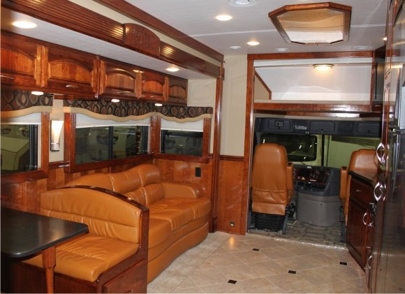 +EquineMotorcoach_interior
