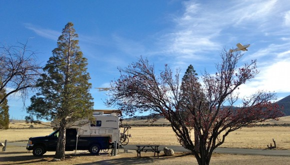 RV gliding on the edge of Tehachapi at 4200-feet